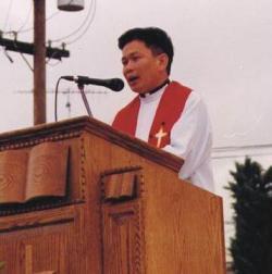 Tin nóng (nhưng không lạ): Linh mục Nguyễn Minh Hiền bị buộc tội trộm tiền giáo dân